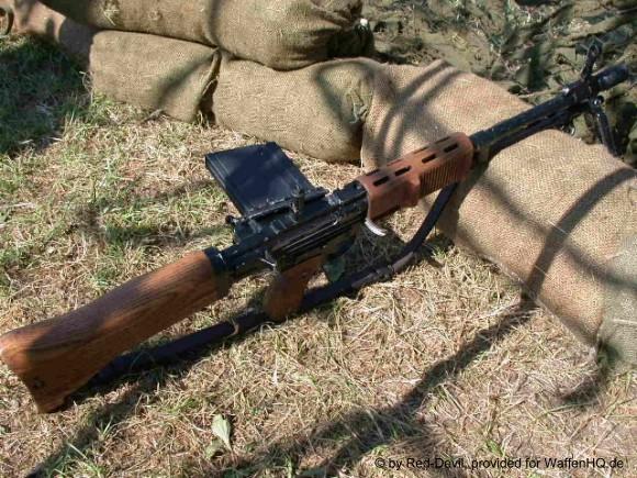 Fusil FG 42 de la SGM